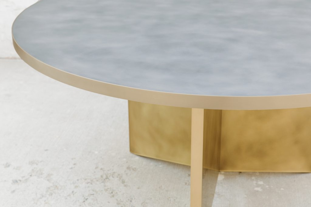 Round Vega Dining Table